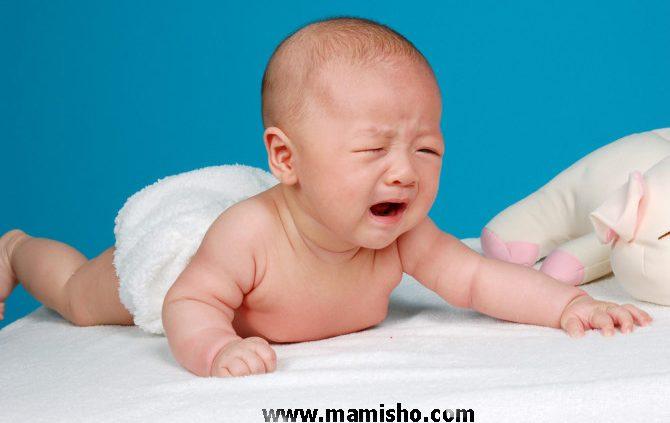 دلایل گریه نوزاد