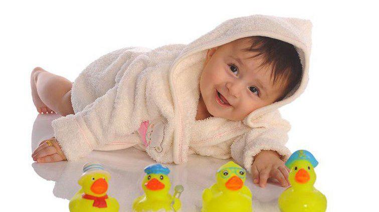 حرکات طبیعی انگشتان در نوزادن شش ماهه