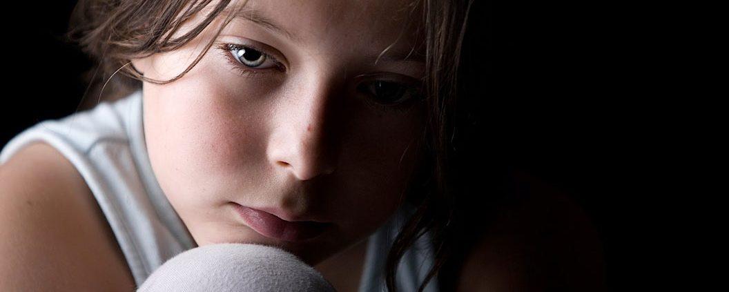 کمک به کودک غمگین